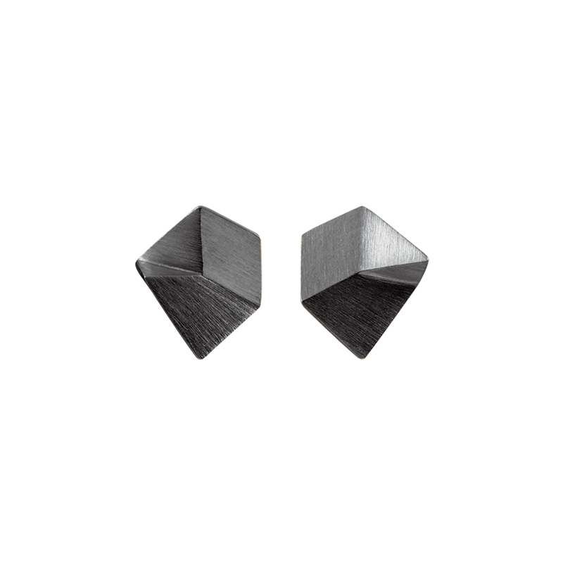 product Flake stud earrings XS oxidized silver