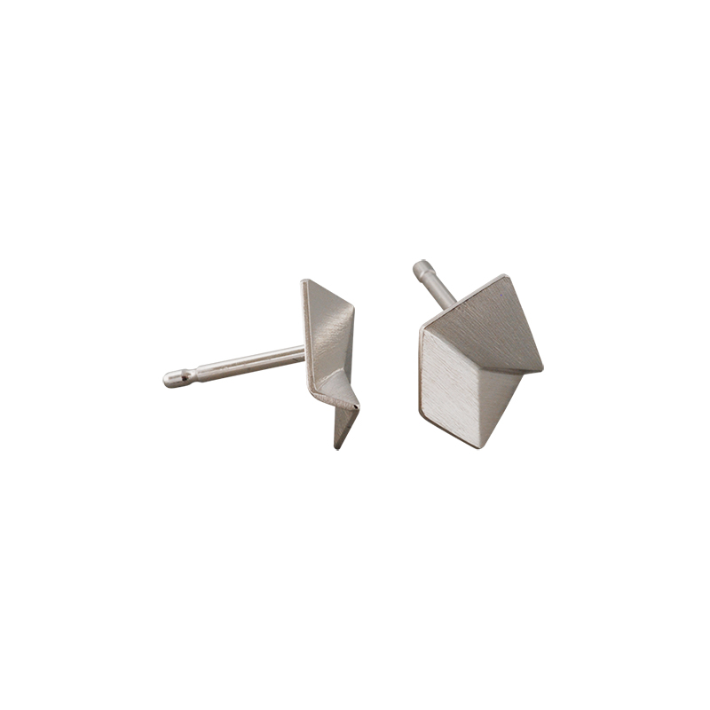 product Flake stud earrings XS silver