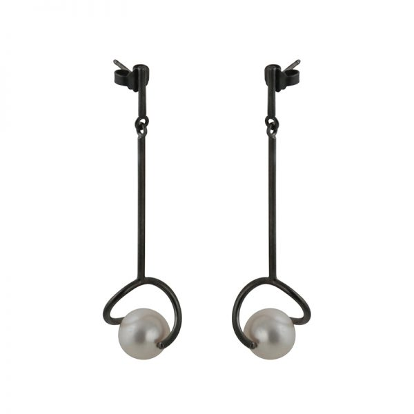 product Twist earrings oxidized silver pearls