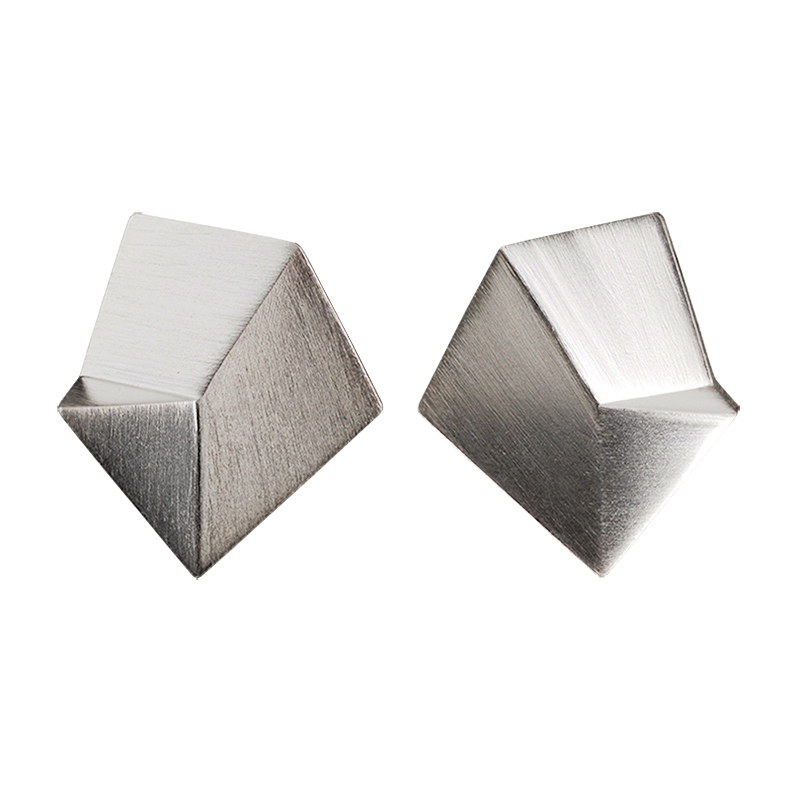 product Flake stud earrings M silver